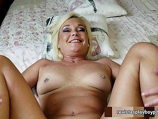 Abuela obliga a que su nieto la folle