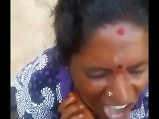 Tamil hot village aunty blowjob and swallowing sperm