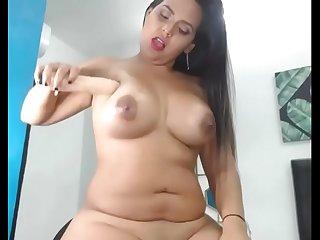 madura prostituta ya bien usada con 6 hijos paridos de varios hombres  vive en valle del cauca colombia