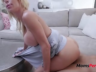 MOM fucks my friend amd its caught in cam Alexis Fawx