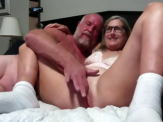 Hot Mature Wife And Husband Make Out She Gets Fingered