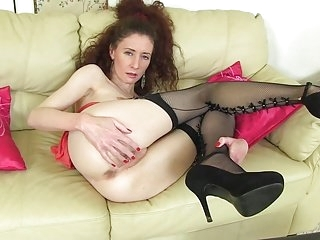 Older slender mommy with soaking soaked snatch