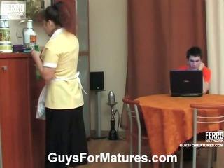 Shenythia&Vitas cute mom on video