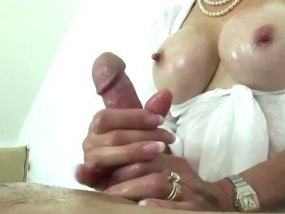 Naughty Lady Sonia cumshot