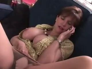 Lonely Lady Sonia masturbates