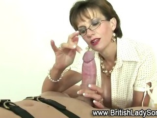 Femdom dirty mature brit sucks off loser
