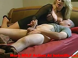 my milf mom getting fucked
